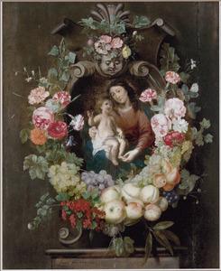 Een guirlande van vruchten en bloemen rondom een voorstelling van Maria met kind