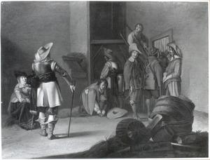 Soldaten in een schuur met links een pijprokende vrouw
