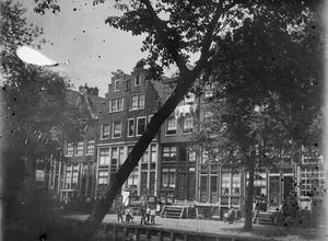 Gezicht op de Palmgracht te Amsterdam