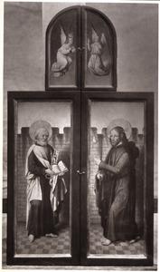 Twee engelen (boven), de H. Petrus (links), de H. Jacobus de Meerdere (rechts)