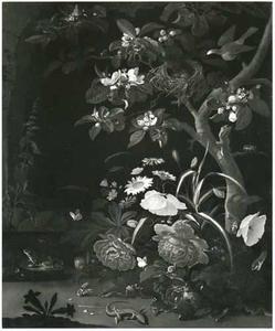 Bosstilleven met bloemen en reptielen