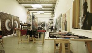 Berend Strik in zijn atelier