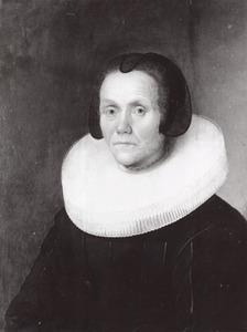 Portret van een 70-jarige vrouw, ten onrechte genaamd Catharina Warmondt (..-1619), wellicht een lid van de familie Meermans