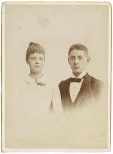 Portret van Willem Andries Floris Bannier (1868-?) en Anna Elisabeth Fresemann Viëtor (1870-?)