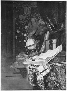 Stilleven van boeken en een globe en andere voorwerpen op een met een oosters kleed bedekte marmeren tafel