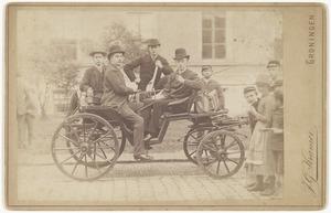 Groepsportret met Cornelis Hofstede de Groot (1863-1930)