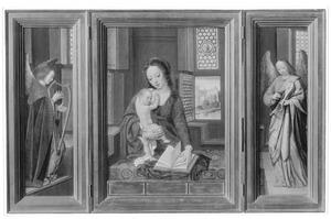 Harpspelende engel (links), Maria met kind, bladerend in een gebedenboek (midden), vioolspelende engel (rechts)