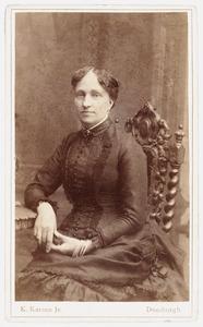 Portret van Johanna Sara Elisabeth van Bijnkershoek van der Koog (1842- )