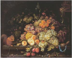 Vruchtenstilleven met distelvink en eekhoorn