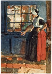 Staande vrouw voor een raam