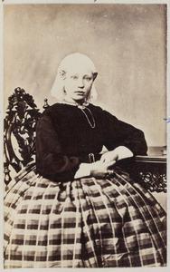 Portret van Jannigje Lourens van der Mey (1850-1920)