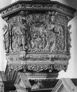 Preekstoel uit Hammer Kirke (Næstved), (Denemarken), met scènes uit het leven van Christus