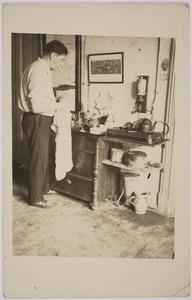 Herbert Fiedler in zijn atelier, Berlijn 1931