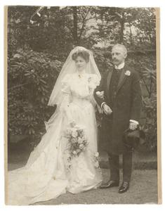 Portret van Louise Constance van Rossum (1884-1944) en Adrianus Eliza Herman Röell (1876-...)