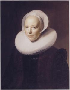 Portret van een vrouw met grote plooikraag in een met bont afgezette rok