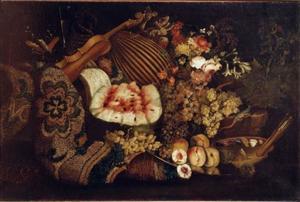 Stilleven met muziekinstrumenten, vruchten en bloemen