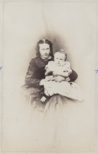 Portret van Anna van Beyma (1839-1928) met een van haar kinderen