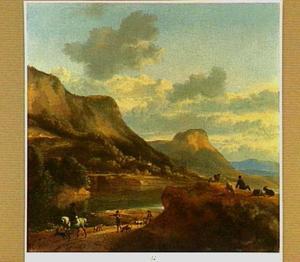 Berglandschap met jagers op een weg; in de verte een brug