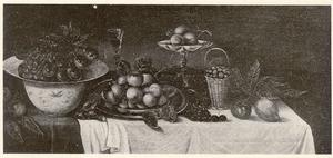 Vruchtenstilleven op een gedekte tafel