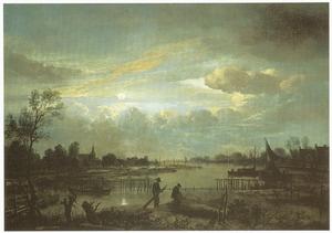 Uitgestrekt rivierlandschap bij volle maan, met twee mannen die netten binnenhalen