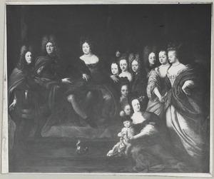 Portret van Friedrich II van Hessen-Homburg (1633-1708), Louise Elisabeth van Kurland (1646-1690) en hun kinderen