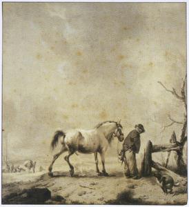 Plassende man, paard en hond bij een hek