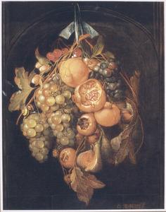 Festoen van vruchten, hangend voor een nis