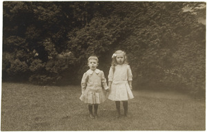 Portret van Laurence Julie van der Haer (1909-1990) en Frederik Wijnand (Frits) van der Haer (1911-2001)