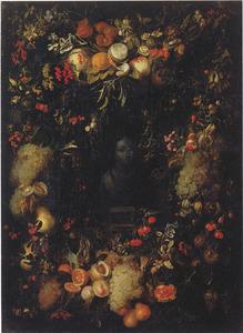 Krans van vruchten rondom een nis met een buste van de Maagd Maria