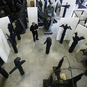 Eric Claus in zijn atelier