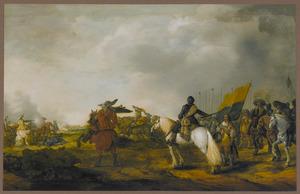 Officier te paard deelt bevelen uit aan een vaandeldrager