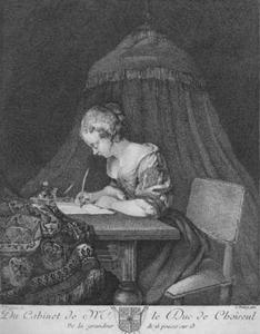 Briefschrijvende jonge vrouw