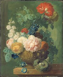 Stilleven van bloemen in een met putti versierde terracotta vaas