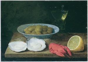 Stilleven met oesters, olijven en eenkreeftje