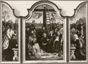 De H. Hugo met stichter (binnenzijde links), De bewening (midden), De H. Catharina met stichtster (binnenzijde rechts)