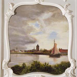 Rivierlandschap met stadsgezicht en zeilboot