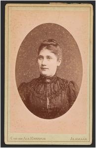 Portret van Maartje Blom (1871- )