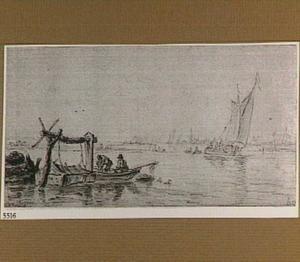 Riviergezicht met vissers bij een fuik