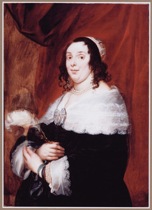 Portret van een vrouw met een kanten kraag en strik