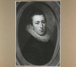 Portret van een jonge man in een geschilderd stenen ovaal
