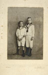 Portret van Johan Kuipers (1906-1969) en Henricus Kuipers (1907-)