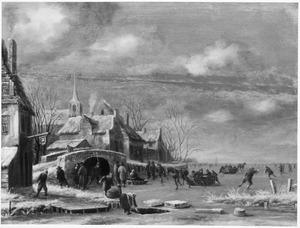 Winterlandschap met ijsvermaak op een bevroren plas bij een dorp