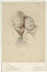 Portret van James Marnix de Booij (1885-?) en Theodoor Hendrik Nicolaas de Booij (1886-1919)
