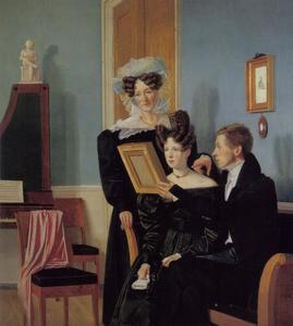 Interieur van een kamer met Michael Raffenberg met zijn verloofde Frederikke Hagerup en zijn (schoon- ?)moeder
