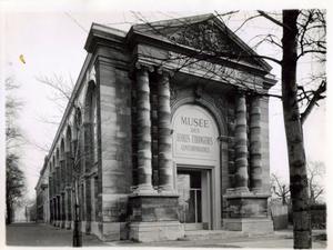 Musée des étrangères gevestigd in het Musée du Jeu de Paume in Parijs