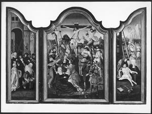 Drieluik met de kruisdraging (links), de kruisiging (midden) en de bewening (rechts)