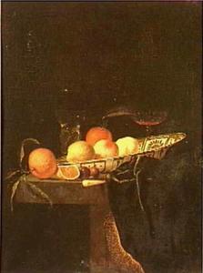 Stilleven van fruit in een porceleinen schaal en