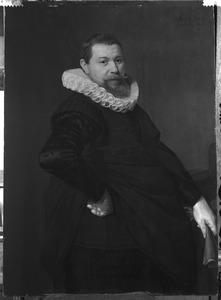 Portret van een man, genaamd Jan van Foreest (1586-1651)