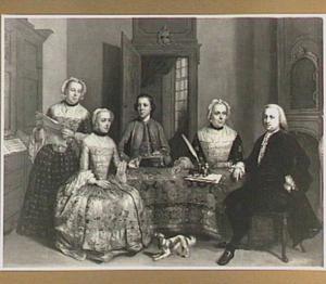 Portret van een familie in een interieur