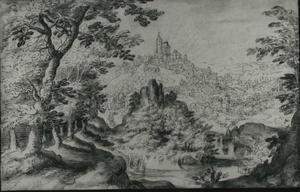 Boslandschap met zicht op een stad met een kasteel op een berg